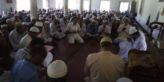 প্রাক্তন ছাত্রদের উদ্যোগে শিক্ষক সিরাজুল ইসলাম খানের সুস্থতা কামনায় খতমে কুরআন ও দোয়া  মাহফিল অনুষ্ঠিত