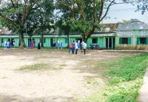 খুলেছে শিক্ষাপ্রতিষ্ঠান, শিক্ষার্থীরা ফিরেছে প্রিয় প্রাঙ্গণে: বালাগঞ্জে ১ম দিনে উপস্থিতি সন্তোষজনক