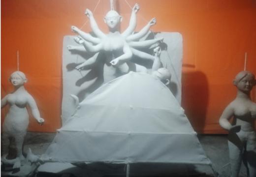 দুর্গাপূজা: বালাগঞ্জে প্রতিমা তৈরিতে ব্যস্ত মৃৎশিল্পীরা, চলছে শেষ মুহূর্তের কাজ